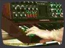 Application de la sortie CV du filtre MF-101 Moog , jouée à partir d'un Minimoog Voyager.