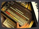 This demo vid shows the drum instruments and the various functions of TR-808. I used no external effects, EQ or compression. Only the pure 808 sound. You must have very good bass loudspeakers or a subwoofer to hear the deep frequences.