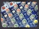 Les consoles VeniceF offrent des tranches analogiques mais peuvent transférer l'audio via Firewire.