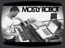 Future Music nous offre une petite contribution issue du groupe mostly Robot qui nous présente le travail de Tim Exile et le Reaktor.